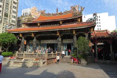 2020新春、台湾旅行記11(4/14):1月7日(3):台北、龍山寺、扁額群、石像彫刻の龍、中正祈念堂