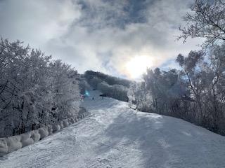 令和も斑尾でスキー ②暖冬で例年より大幅に雪は少ないけどスキーを満喫。
