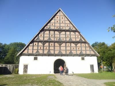 2019年ドイツのメルヘン街道と木組み建築街道の旅:⑥クロッペンブルク博物館村に見事な大農家がある。