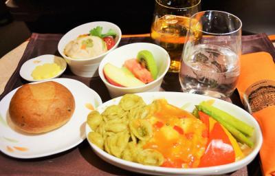 エバー航空ビジネスクラスで香港へ!!!