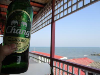 タイ王室のリゾート「ホアヒン」へ 海上ホテル3000円! のんびり鈍行列車(150円!)でカオマンガイ(140円!)を食べながら…