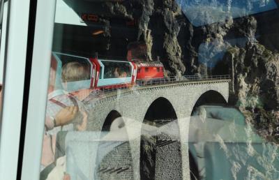 シニアー夫婦のスイスゆっくり旅行30日  (20)チューリッヒからサン.モリッツに移動します(10月8日)