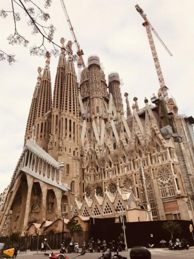 バルセロナへ【ガウディの建築と食べ歩きの旅】到着編