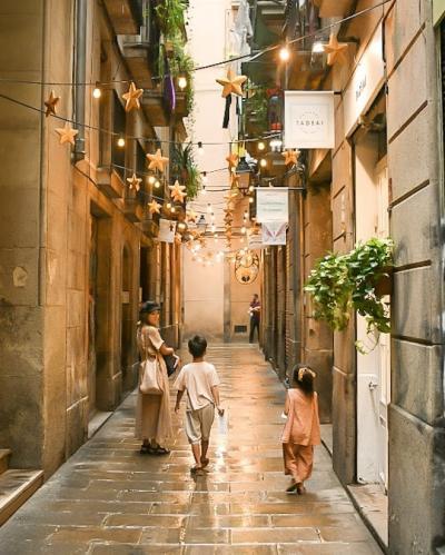 【5歳&7歳】子連れスペイン旅行⑧ -レトロな旧市街!ゴシック地区-
