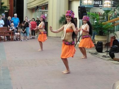 フライングホヌ結婚25周年記念旅行  in  Hawaii アラモアナ編
