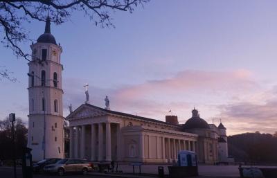 バルト3国とちょっとだけヘルシンキ8日間の旅 5.美しい教会が多かったリトアニアの首都ヴィリニュス