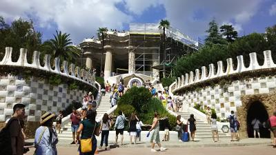 バルセロナの旅7日間④グエル邸/グエル公園/サンタカタリーナ市場/マジカ噴水ショー