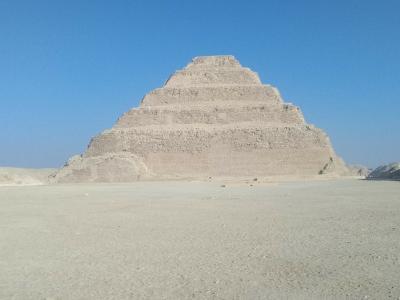 一生に一度だけでいいので行って見てみたいピラミッドを見て来ました!!(*^▽^*)<<2日目の前半は世界初のジェセル王階段ピラミッド~>>