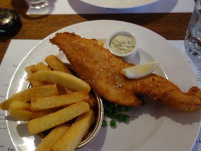 London(2.5) 今日のランチは Fortnum & Mason で fish & chips をいただきました。