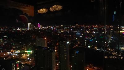 最高の景色、ダナンを360度見渡せるルーフトップバー!!