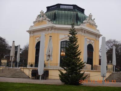 オーストリア横断の旅(5) 世界最古で世界遺産の動物園「シェーンブルン動物園」へ・・・