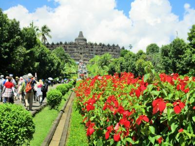 全員がお一人様ツアー『インドネシア3つの世界遺産とリゾートバリ島5日間』の旅 1・2日目