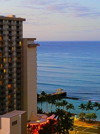 Oahu-10 ワイキキビーチ マリオットH 朝食ビュッフェ-5時~ ☆海が見える部屋で起床