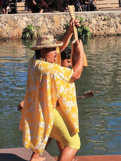 Oahu-19 PCC 水上カヌーショー「HUKI」 2/3 ☆島々はつながり皆が家族のように