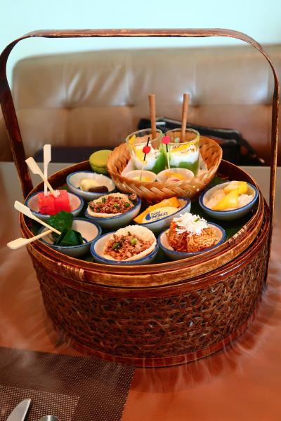 週末バンコク4★タイ風アフタヌーンティーとプーパッポンカリー ~Metro on wireless・Somboon Seafood~