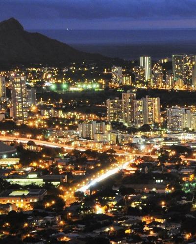 Oahu-54 ホノルル夜景 タンタラスの丘-ドライブ ☆スタジオタンタラス-記念撮影を