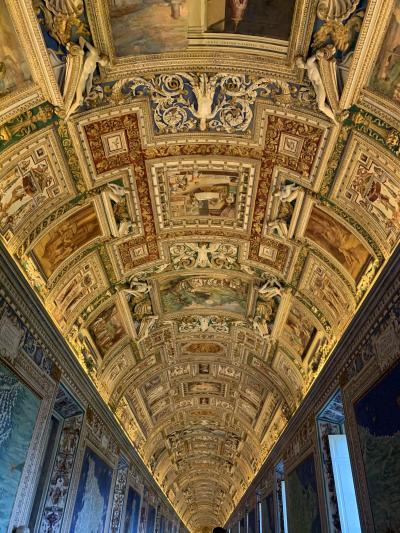 暮らすようにローマ教会巡り(3)バチカン美術館