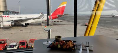 マドリードバラハス空港 Madrid-Barajas Iberia Velázquez Lounge 訪問記 MAD IB T4S