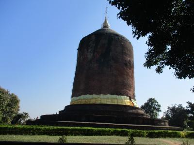 ミャンマー再々訪の旅(6)ピイの巨大な仏塔。