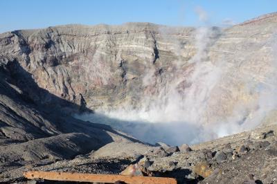父は恐れていたけれど、念願の阿蘇中岳火口に行くことができました