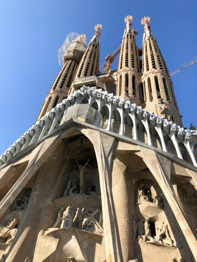 アパートメントに泊まり、自炊生活でバルセロナ観光Slide show・・ヨーロッパ60日三ツ星ホテルの旅
