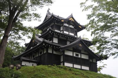 むいか温泉ホテルに宿泊して徳川家康の六男、松平忠輝の居城として天下普請によって造られた越後高田城登城