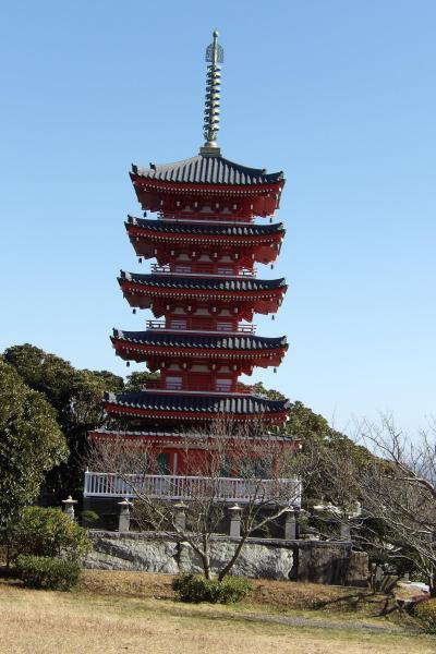 久里浜霊園の五重塔