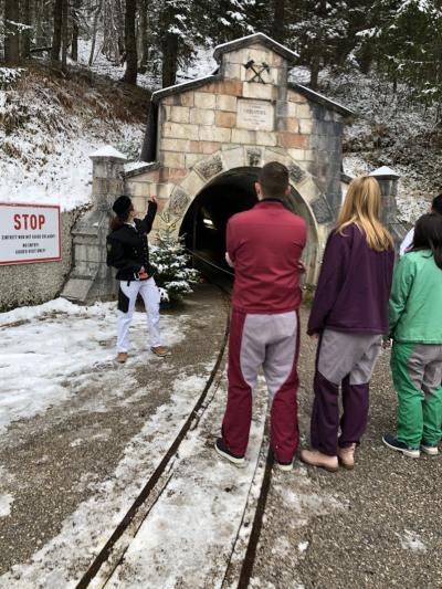 オーストリア横断の旅(9) ハルシュタット塩鉱山のガイド付きツアーに参加してスリルを味わいました・・・