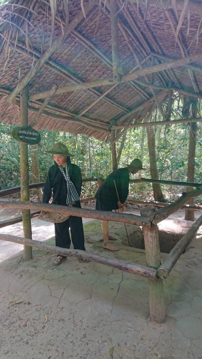 ホーチミンから少し足を伸ばして「ベトナム戦争跡クチトンネル」&「ミトー メコン川クルーズ」