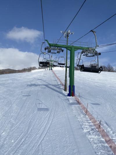 比布スキー場でスキー滑り