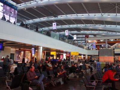 London(6.2) Heathrow Airport Terminal 5 の散策。時間つぶしです。
