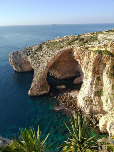大晦日からマルタ島とキプロス島を巡るドライブ旅(猫とのふれあいも楽し♪)【2】青の洞門→巨石神殿群→イムディーナ→ラバト