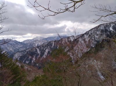 【日帰り登山】初雪見た初の雪山登山【釈迦ヶ岳・中尾根】