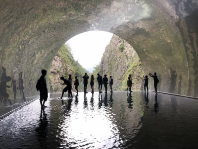 幻想的な風景:清津峡