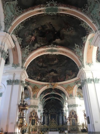 世界一美しい図書館に行こう!スイス・ザンクトガレンとドイツ・コンスタンツ旅