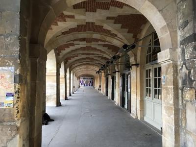 スト中のパリ4 シャンゼリゼ~パリ最古の広場ヴォージュ広場