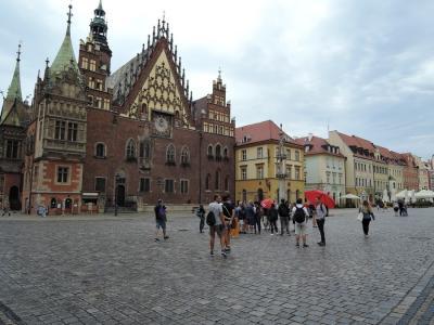 2019年夏 スロバキア・ポーランド旅行 小人の国ヴロツワフ(ポーランド)1 ヴロツワフ駅・旧市街広場・市庁舎