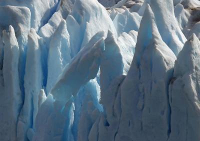蒼き氷河のパタゴニアと雨季のウユニ塩湖  3日目 ロス・グラシアス国立公園 ペリトモレノ氷河崩落編
