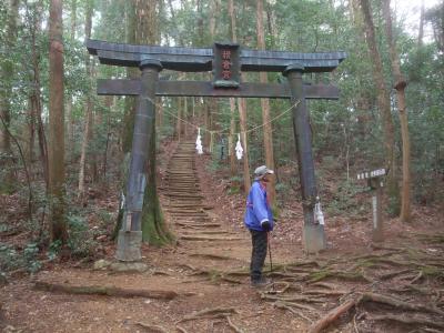 歴史とロマンあふれる横倉山を散策