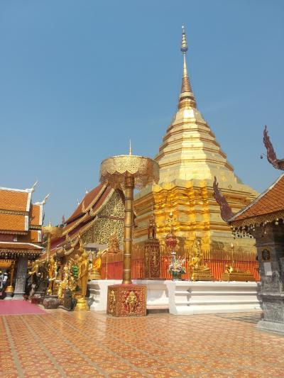 タイ・チェンマイ第二日 ドイステープに登り、夜はタワンデーンでタイミュージック