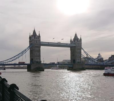 イギリス・ロンドン「バッキンガム宮殿・ロンドン塔・大英博物館・ビッグベン・トラファルガー広場」