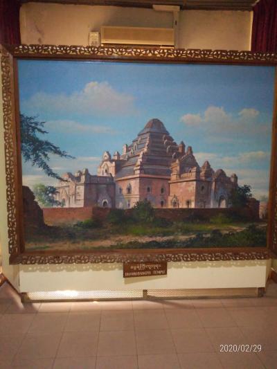 ヤンゴンの国立博物館
