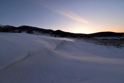 四阿山 冬の雪山登山 朝焼けとアルプスの展望