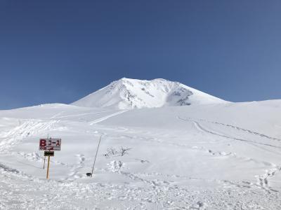 こんな時期ですが、どこかにマイルで大雪山旭岳で滑ってきました=2020年3月