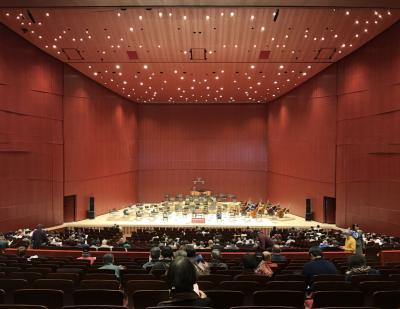 昨年9月に開館した高崎芸術劇場を訪れ群馬交響楽団を聴き、箕輪城、金山城を訪れる