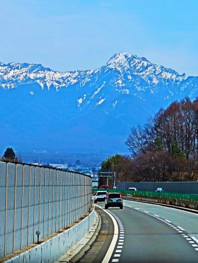 小淵沢-1 八ヶ岳リゾートアウトレット〔農家の食卓〕オムライス ☆諏訪→北杜 山岳風景