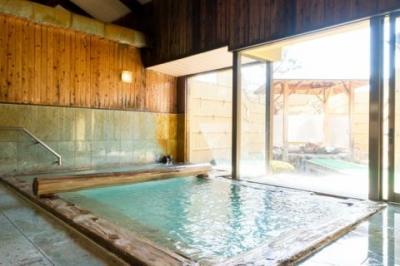 温泉かけ流しの宿「福寿草」
