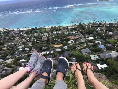 旅友3人と行く週末ハワイ、カイルアハイキングと買い物の旅