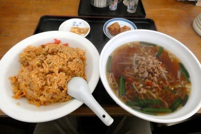 御殿場プレミアムアウトレットでショッピング 台湾料理 一龍の昼食