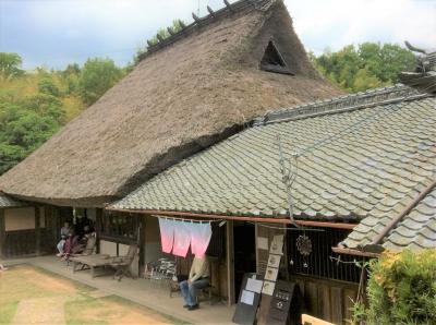 神戸郊外の茅葺屋根の古民家カフェ訪問